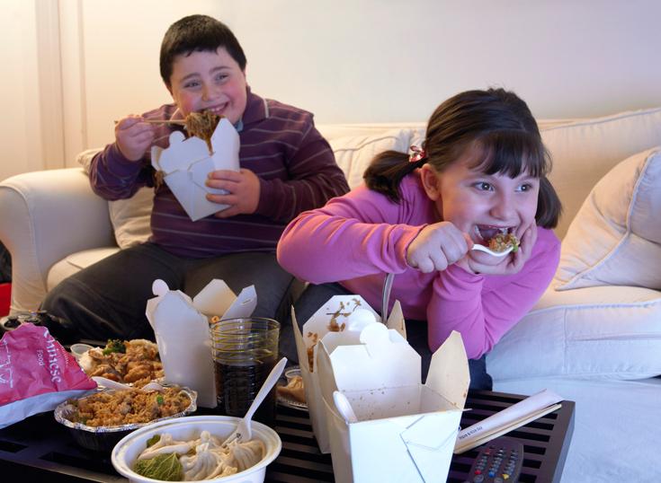 השמנת ילדים מול הטלוויזה